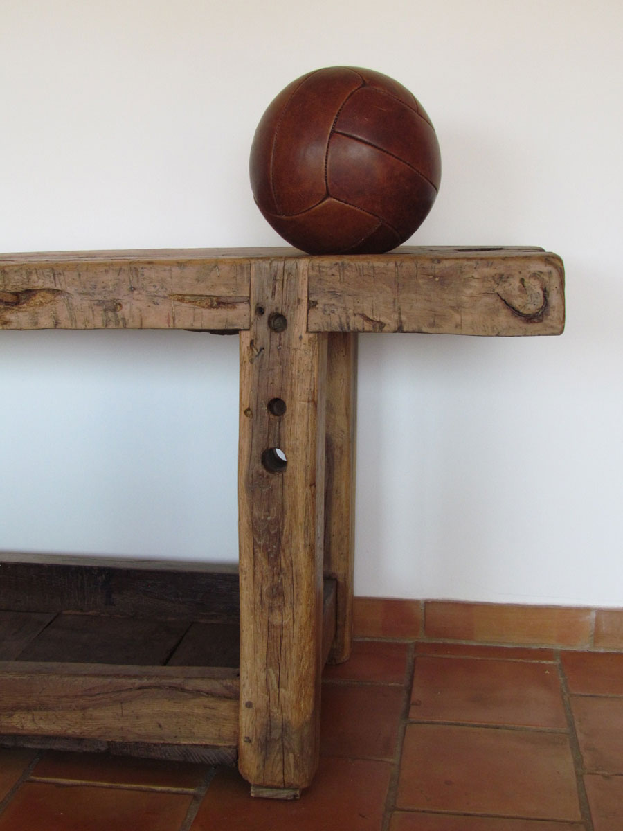meuble de métier en bois brut