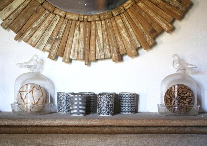 bougeoirs et boules décoratives