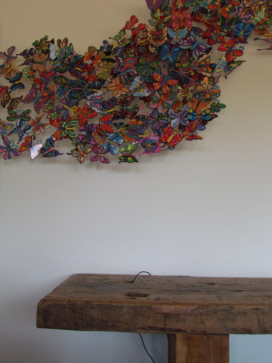 console en bois brut & papillons