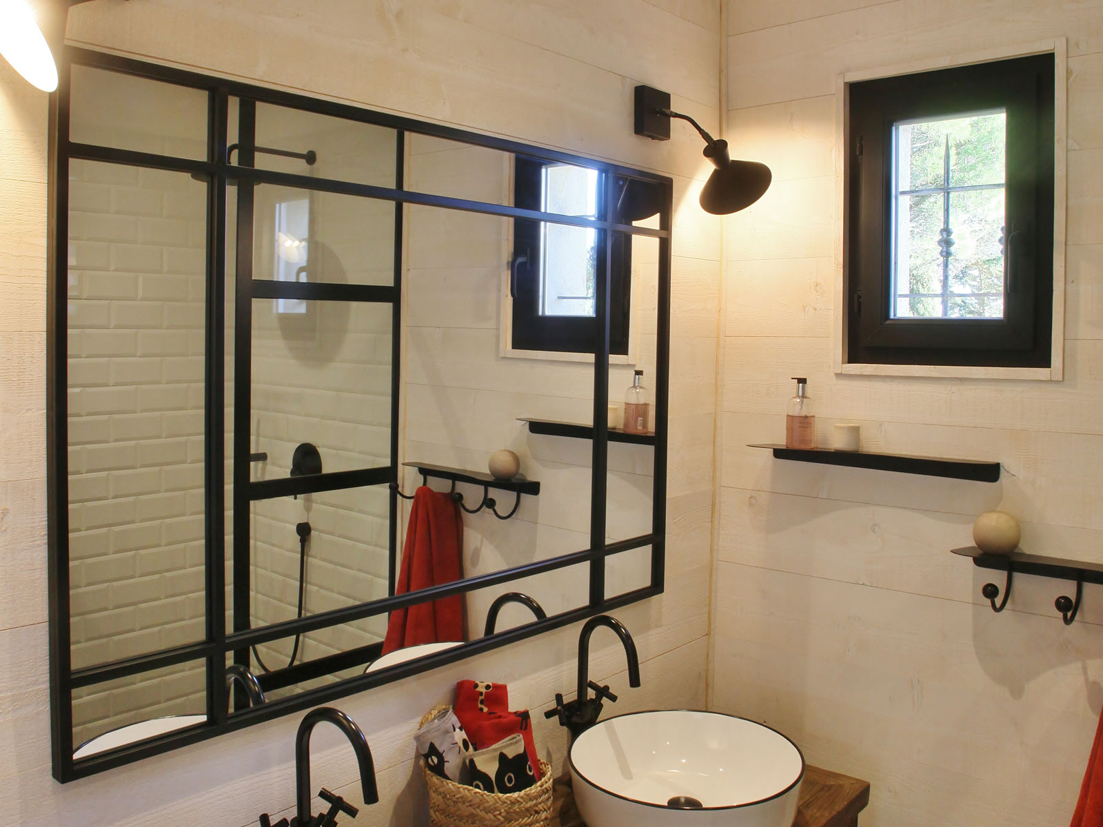 Black metal mural shelves for contemporary bathrooms